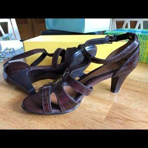 Brown Sofft sandal heels. Like new
